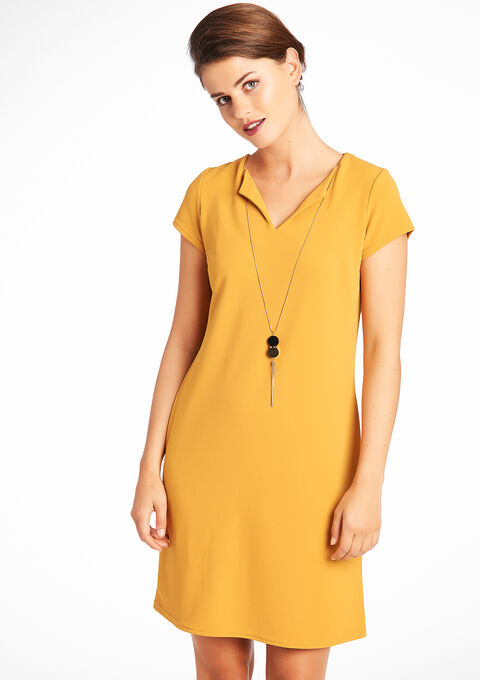 58934498fba97 Plain short-sleeved dress with necklace - LolaLiza