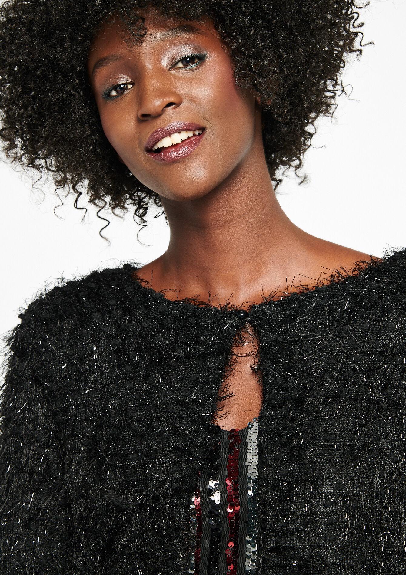 Heidi, 27ans, a des envies de blacks !