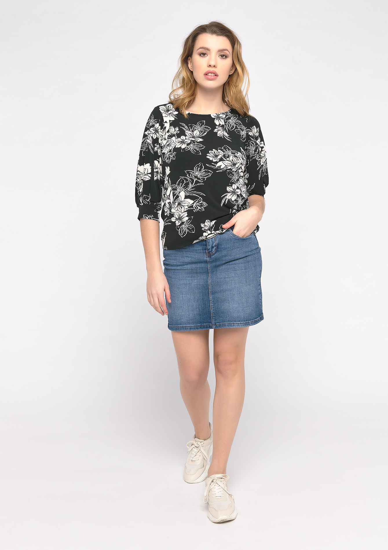 T-shirt met bloemenprint - BLACK - 02300645_1119