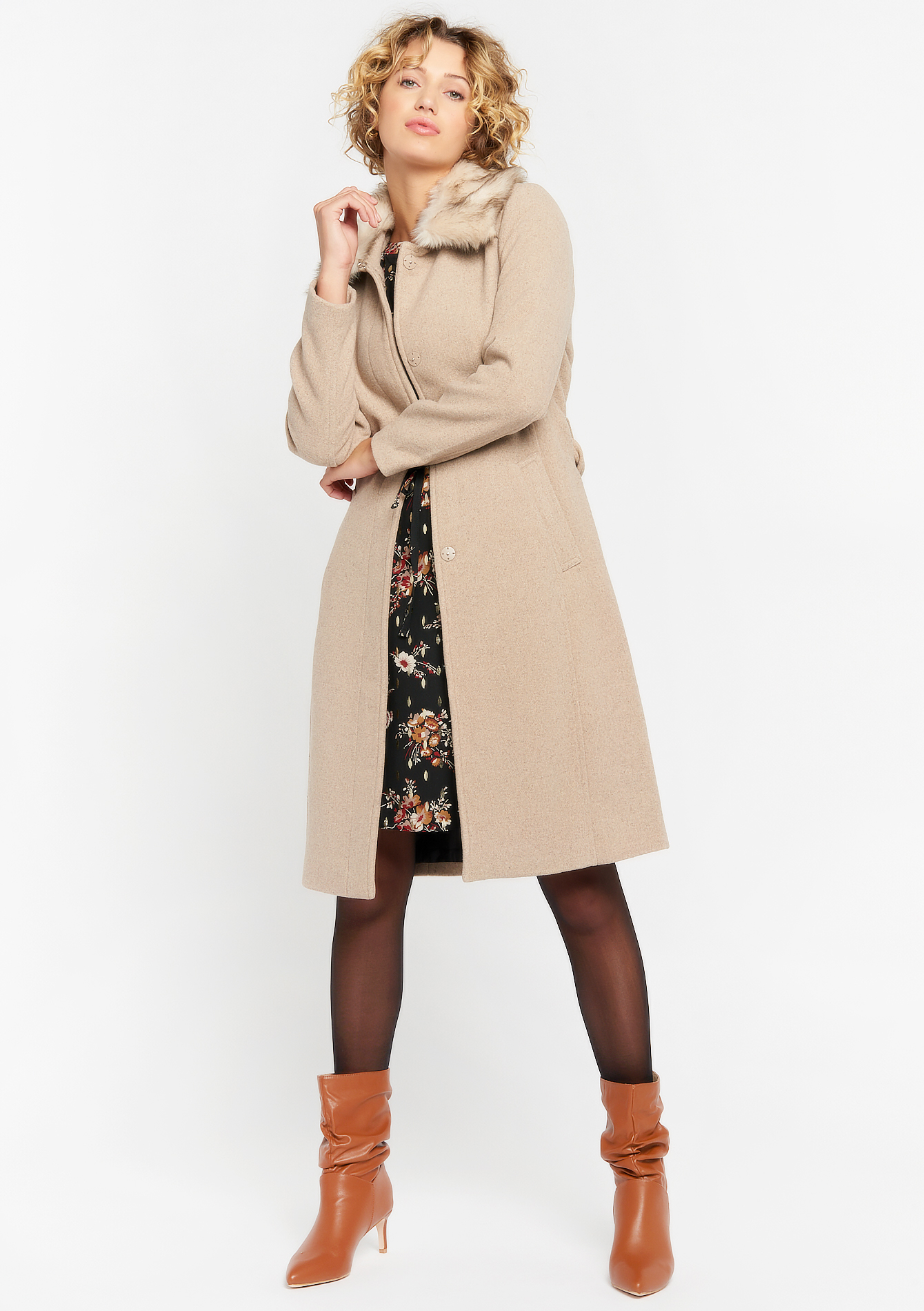 Coat with fake fur collar - TAUPE SAND - 23000288_1924