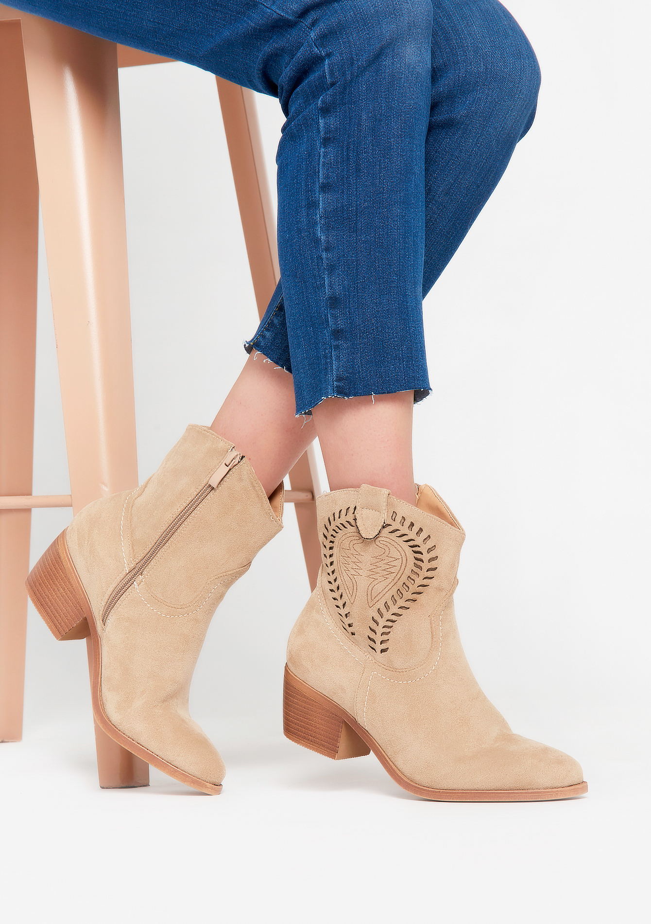 Cowboy style ankle boots - BEIGE BISCUIT - 13100070_4018