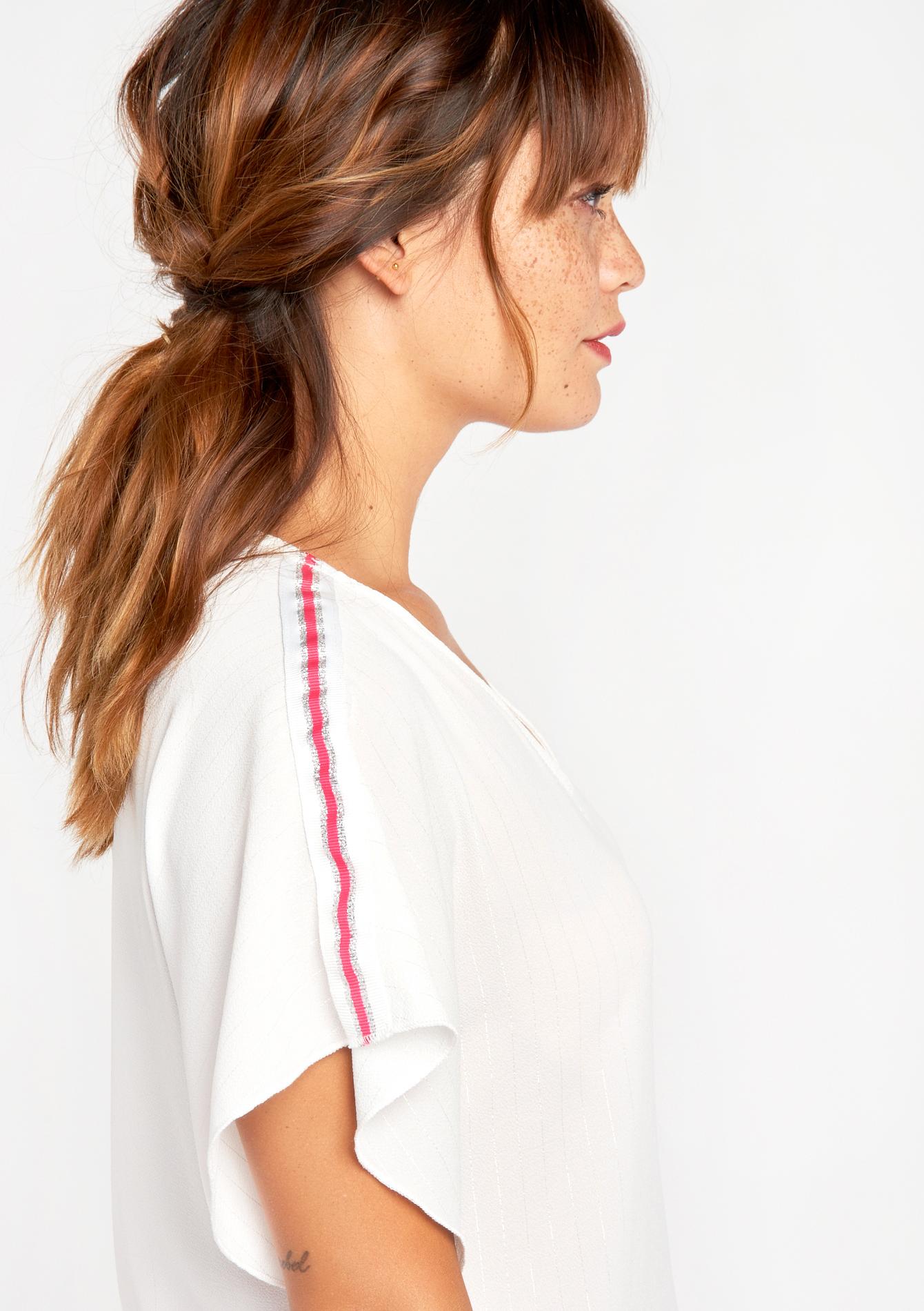 Effen blouse met tape op de schouders