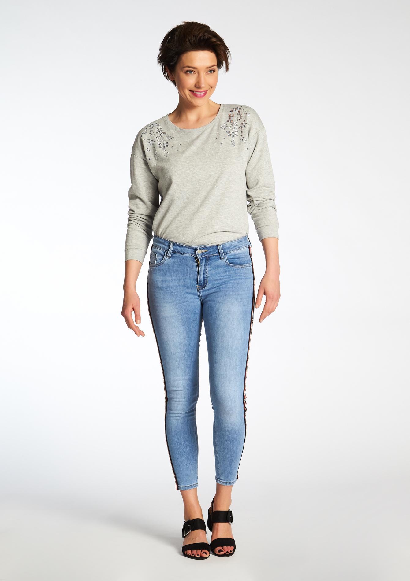jeans avec bandes sur le cot lolaliza. Black Bedroom Furniture Sets. Home Design Ideas