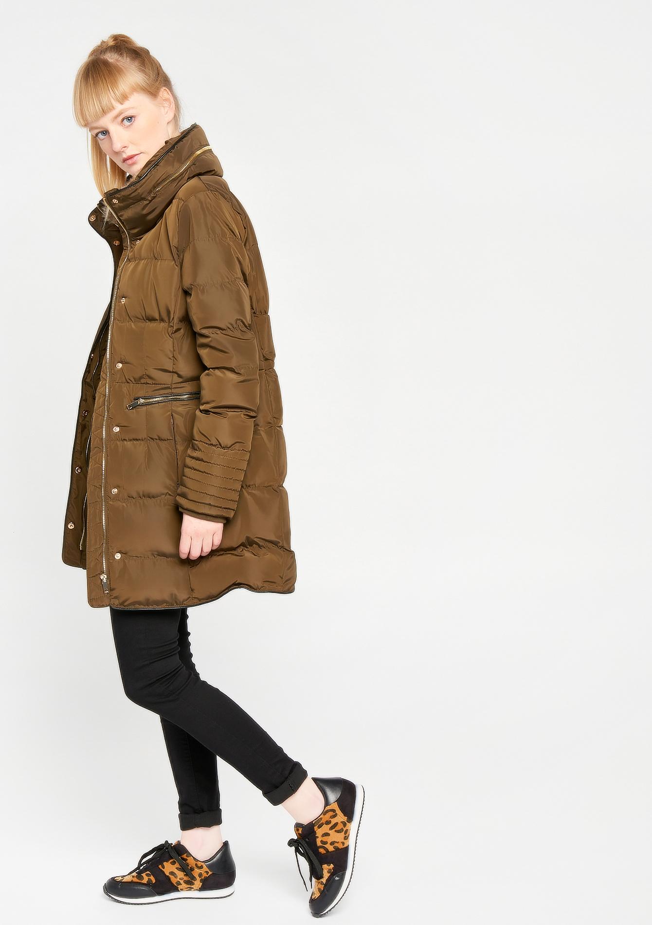 Halflange gewatteerde jas
